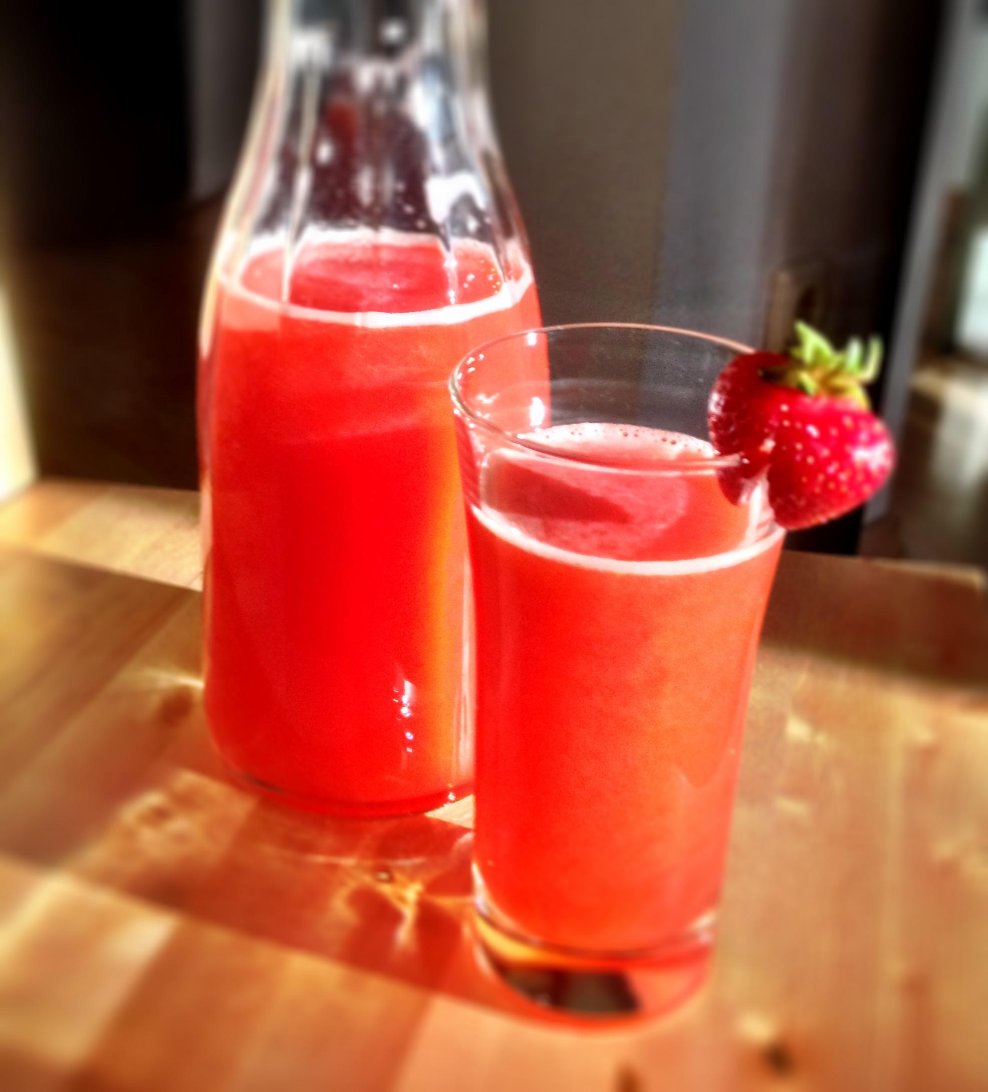 Erdbeer-agua-fresca